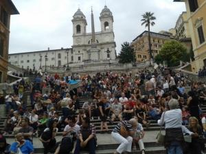 La frenética Piazza di Spagna. Roma, Italia. 2013.
